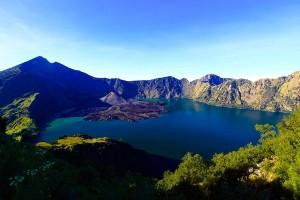 Rinjani trek package to summit 3 days