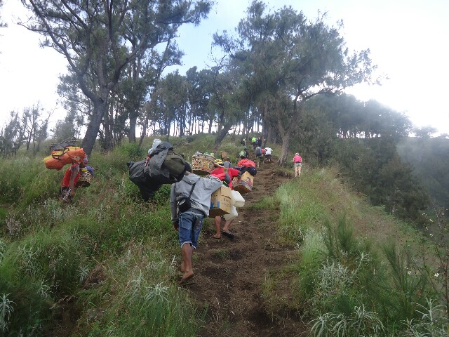Rinjani trek difficulty