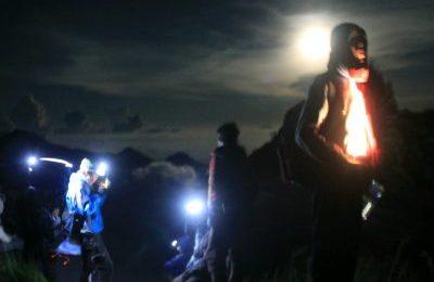 Climbing Rinjani Rim 1 Day