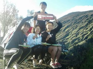 Hajar Trekking mount Rinjani trekking tour package servie