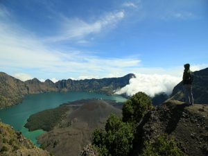 RINJANI 4 DAY TREKKING TOUR PACKAGE FOR GROUP