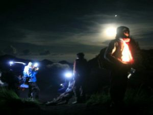 TREKKING RINJANI PACKAGE IN 1 DAY