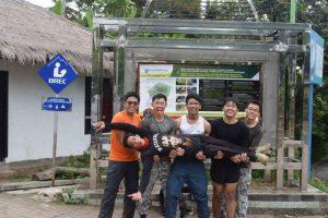 Rinjani trekking guide porter